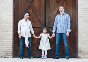 Modern San Antonio family photographer