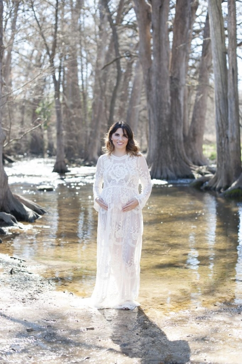 maternity portraits at Cibolo Nature Center